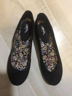 Wanted 8.5 Dress Shoes Women Black Flats