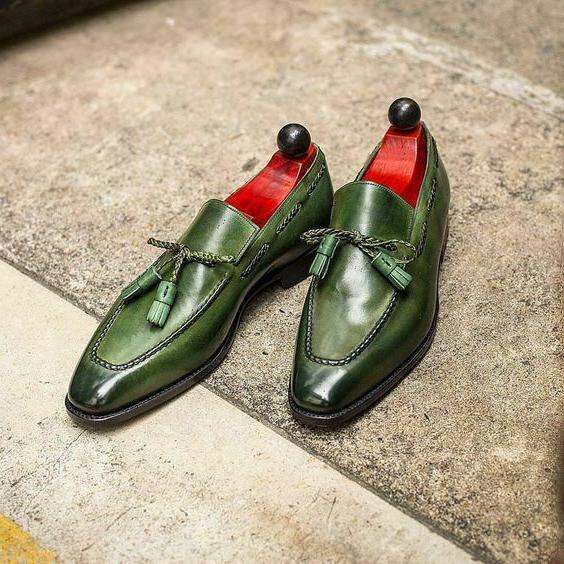 Handmade Men 's Green Tassels Moccasin Dress Business Shoes