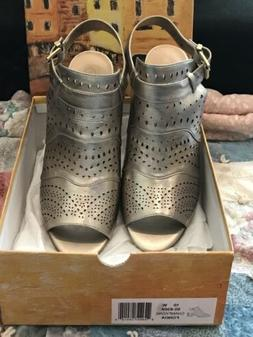 NEW Bella Vita Women's Fonda Dress Shoes Champagne,10W, NIB