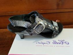 /- New in Box  Helle Comfort Shoe EU Size 37 =  US 6