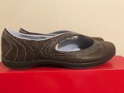 new puma Vitts Lux Women's size 5.5 brown/purple dress shoe