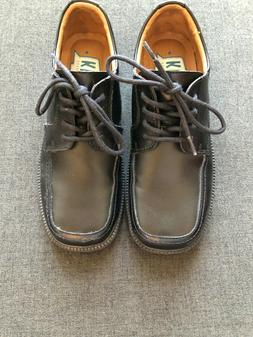 PERFECT FOR EASTER - Boys Size 4 Black Leather Florsheim Lac