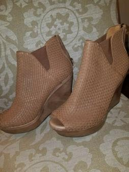 UGG WOMEN LEATHER WEDGE ANKLE BOOTS FAWN SZ 12M NEW SHOES 10